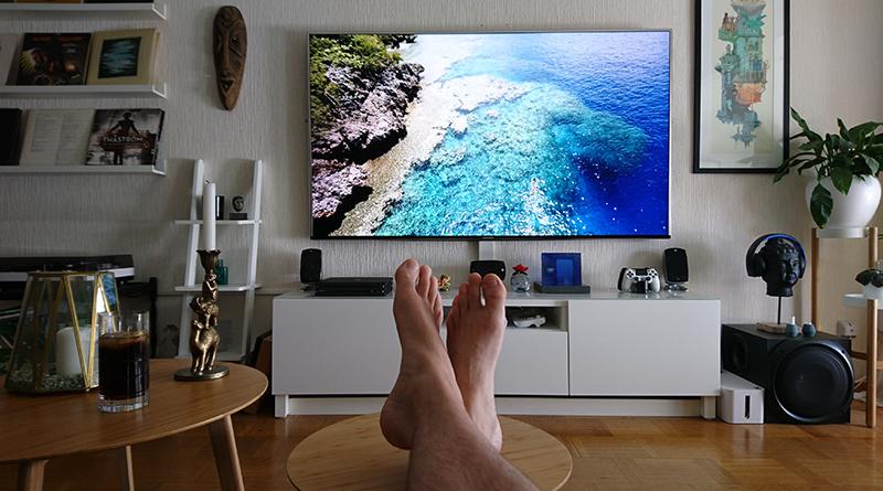 Kokį 4k UHD televizorių pirkti su PS4 Pro ar Xbox One X?